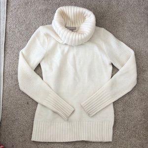 Banana Republic - White Turtleneck Sweater